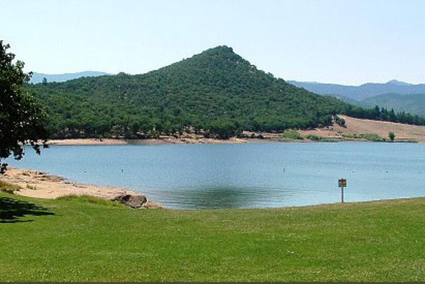emigrant lake and picnic area