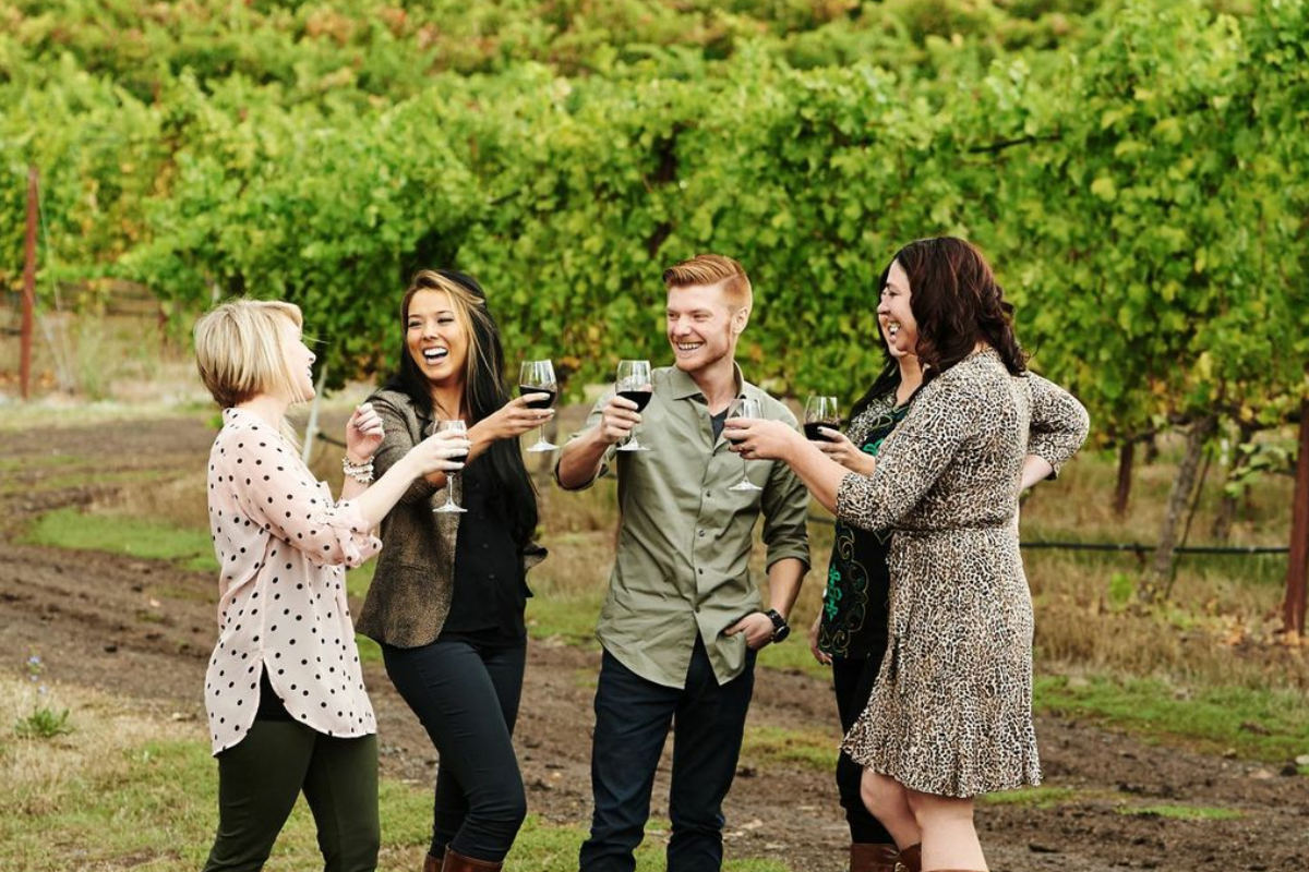 A group of friends enjoying Southern Oregon wines
