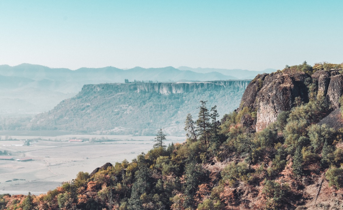 Swell Hike Upper And Lower Table Rocks In Southern Oregon Home Interior And Landscaping Dextoversignezvosmurscom