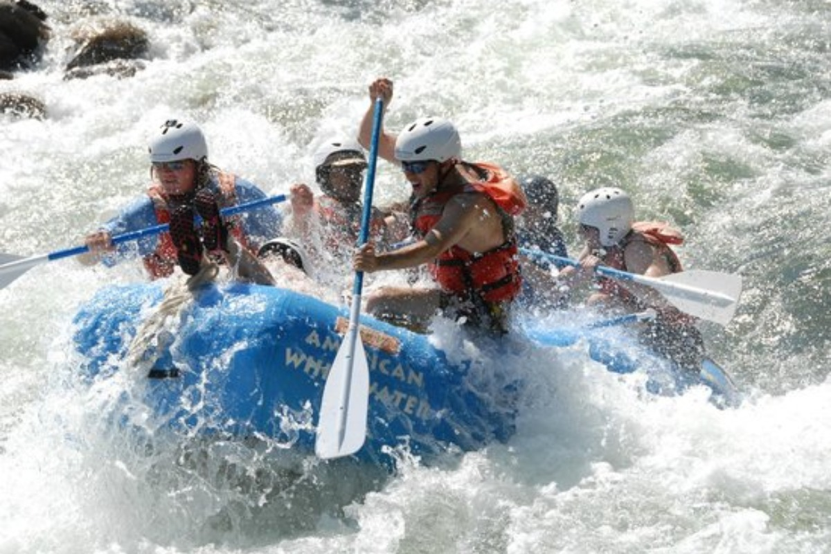 Rafting, paddle boarding, white water rafting, American white water expedition, adventure, things to do