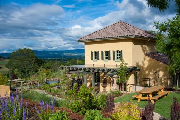 DANCIN Vineyard in Medford Oregon