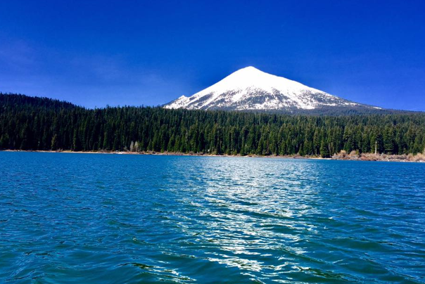 Best oregon hikes in medford and southern oregon for Fish lake oregon