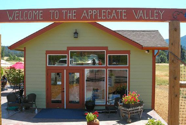 Longsword Vineyard Tasting Room in the Applegate Valley Oregon