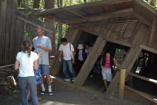 Oregon vortex, house of mystery, strange experiences, travel Medford, escape, experience, adventure